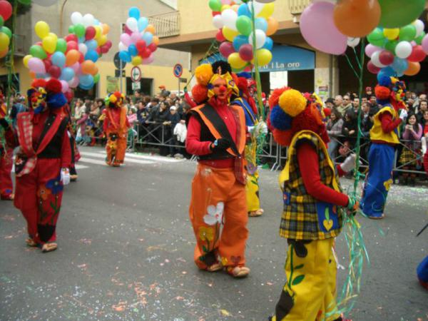 Carnevale di Castrovillari 2021: programma, date e sfilate dei carri allegorici