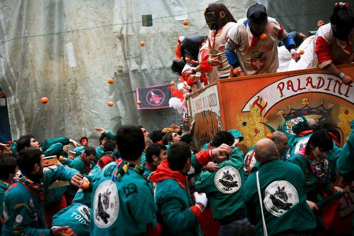 Carnevale di Ivrea 2021: date e programma della battaglia delle arance